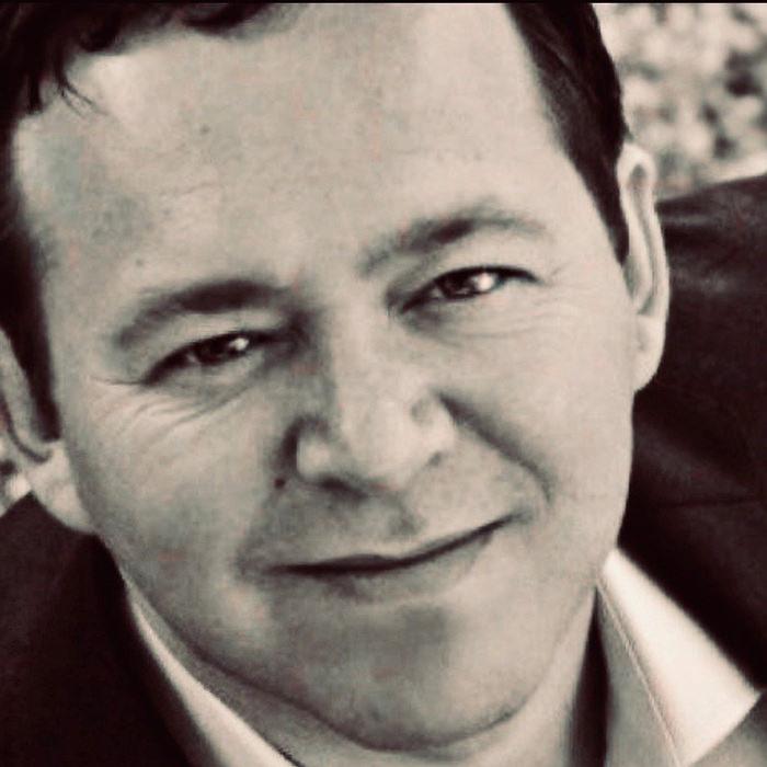 Darren Lewis